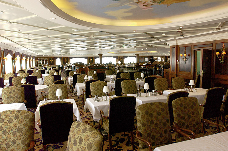 azamara cruise holidays dining
