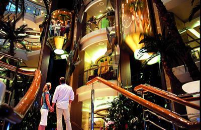 p&o cruises oceana atrium