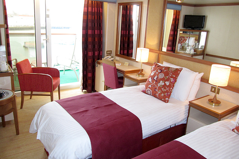 Azura reviews for P o cruise bedrooms